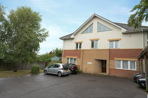 2 bedroom flat for sale - Alder Road, Poole, BH12