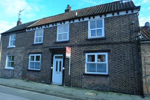 2 bedroom terraced house to rent - Priestgate, YO25