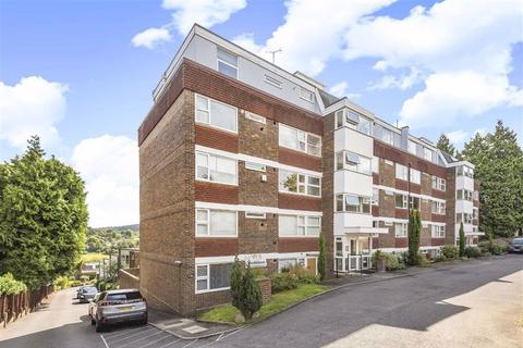 2 bedroom flat for sale - The Meadows, Portsmouth Road, Guildford, Surrey, GU2