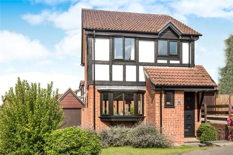 3 bedroom detached house for sale - Connaught Gardens, Berkhamsted, Hertfordshire, HP4