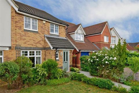 3 bedroom semi-detached house for sale - Lucilla Avenue, Kingsnorth, Ashford, Kent