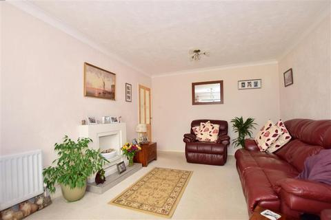 2 bedroom semi-detached bungalow for sale - Hopgarden Road, Tonbridge, Kent