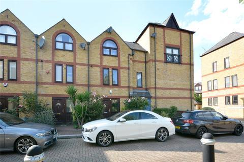 4 bedroom terraced house for sale - Torrington Place, London, E1W