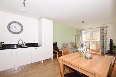2 bedroom flat for sale - Sovereign Way, Tonbridge, Kent