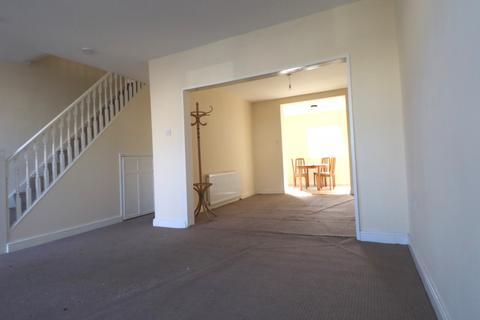 4 bedroom semi-detached house to rent - Rothbury Avenue, Rainham, Essex, RM13