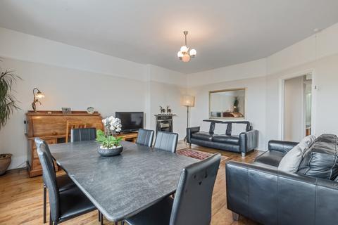 3 bedroom flat for sale - Greenwich South Street London SE10