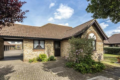 2 bedroom bungalow for sale - The Maltings, Thacham, RG19