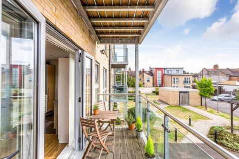 1 bedroom flat - Rosedene Terrace, Leyton, E10
