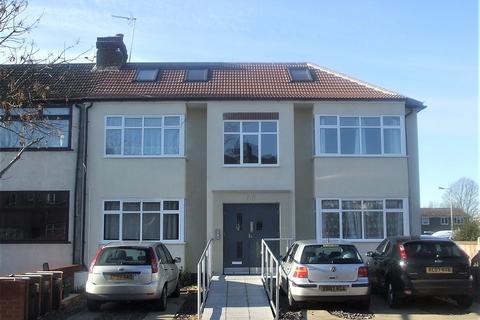 2 bedroom ground floor flat to rent - Tysoe Avenue, Enfield, Greater London. EN3