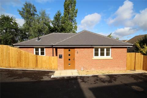 2 bedroom detached bungalow for sale - Uppleby Road, Parkstone, Poole, Dorset, BH12