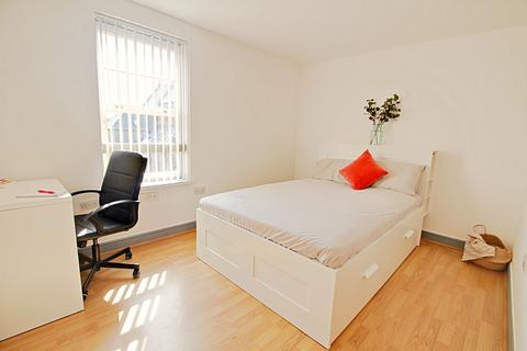 4 bedroom apartment to rent - Flat A, 198 Broomhall Street