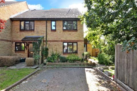 1 bedroom terraced house - Boscombe Road, Worcester Park, KT4
