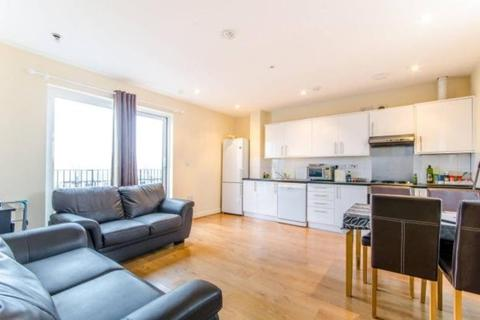 2 bedroom apartment to rent - High Road, London, N12