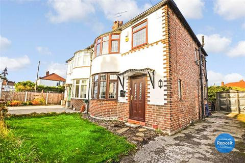 3 bedroom semi-detached house to rent - Sandford Road, Sale, Greater Manchester, M33