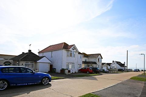 2 bedroom detached bungalow to rent - Hoddern Avenue, Peacehaven