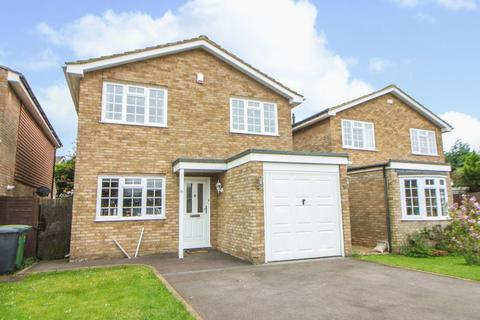 4 bedroom detached house for sale - Stokenchurch - four bedroom detached house in cul de sac location. No onward chain