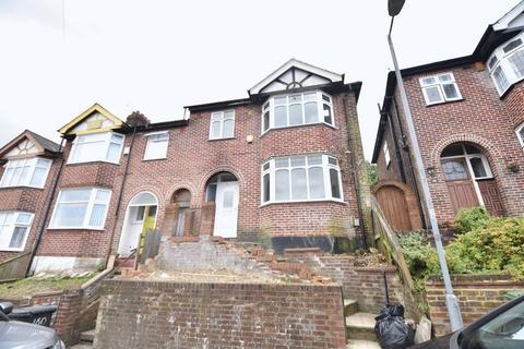 3 bedroom terraced house to rent - Baker Street, Luton