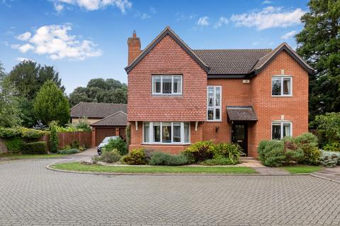 4 bedroom detached house for sale - St Marys Park, Royston, SG8