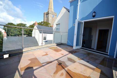 2 bedroom maisonette for sale - Tudor Square, Tenby