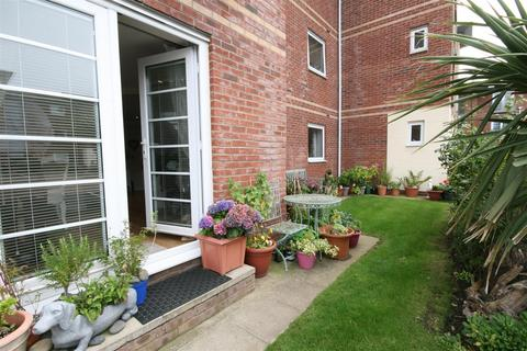 2 bedroom apartment for sale - 4 Hollinshead House, Bailey Avenue, Lytham St Annes