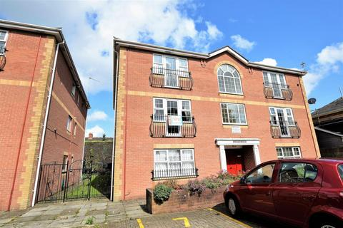 2 bedroom flat for sale - Gladstone Court, Buttrills Road, Barry