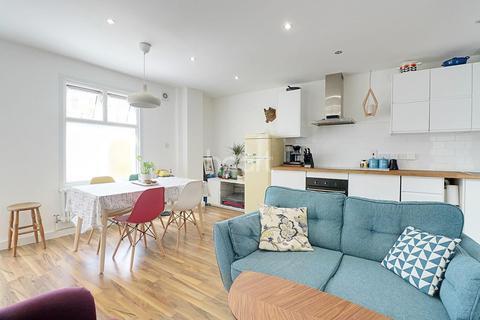 1 bedroom flat for sale - North Birkbeck Road, Leytonstone