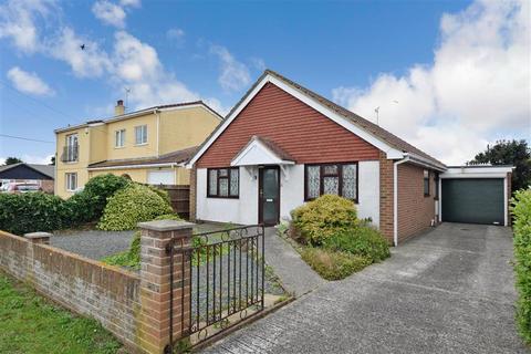 3 bedroom detached bungalow for sale - Merritt Road, Greatstone, New Romney, Kent