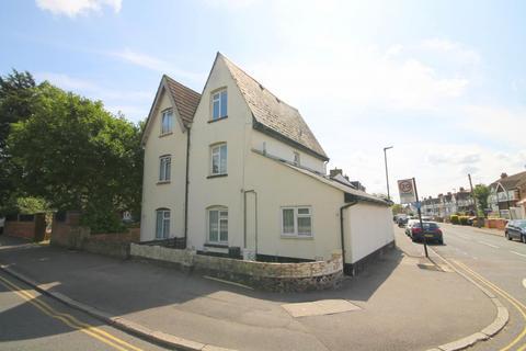 3 bedroom maisonette for sale - Ashford Road, Feltham, TW13