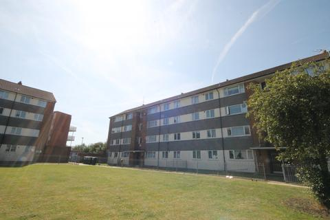 2 bedroom flat for sale - Mccarthy Road, TW13