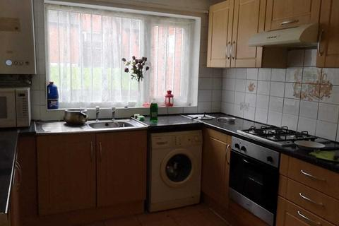 4 bedroom terraced house to rent - St. Johns Close, HYDE PARK