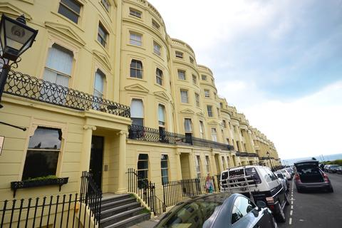 Studio to rent - Brunswick Square Hove BN3