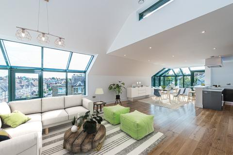 2 bedroom penthouse for sale - Trinity Crescent, The Penthouse, Balham, London, SW17