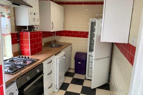 5 bedroom house to rent - Longcross Street, Adamsdown