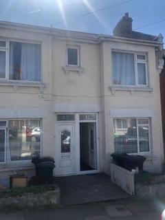 3 bedroom terraced house to rent - Milner Road BN2