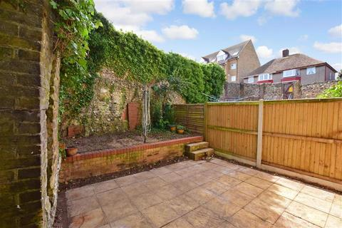 2 bedroom end of terrace house for sale - Maxton Road, Dover, Kent