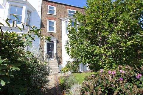 4 bedroom house for sale - Victoria Road, Deal, CT14