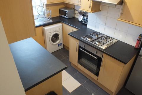 4 bedroom terraced house to rent - Erleigh Road, Reading, Berkshire