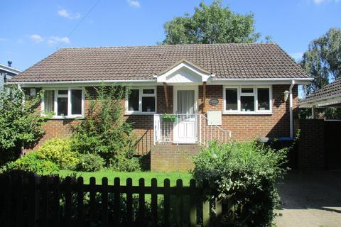 2 bedroom detached house to rent - Laleham Reach