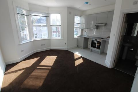 Studio to rent - Kitchener Road, Tottenham