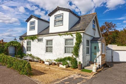 3 bedroom chalet for sale - Kings Road, Lancing