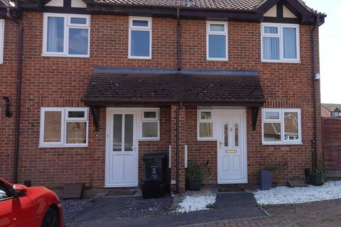 2 bedroom semi-detached house to rent - Lomond Close, Swindon