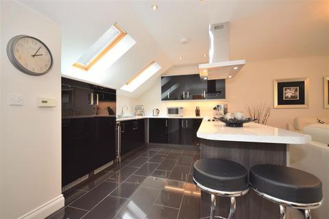 2 bedroom apartment for sale - Ford Lodge, South Hylton, Sunderland