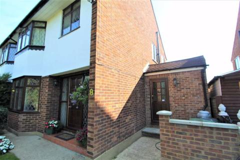 1 bedroom flat to rent - Minton Rise, Burnham