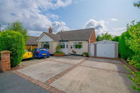 3 bedroom detached house for sale - Vale Avenue, Hawarden, Deeside, Flintshire