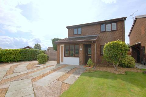 3 bedroom detached house for sale - Rochester Crescent, Crewe
