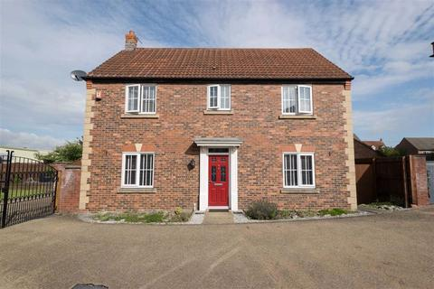 4 bedroom detached house for sale - Pennymoor Drive