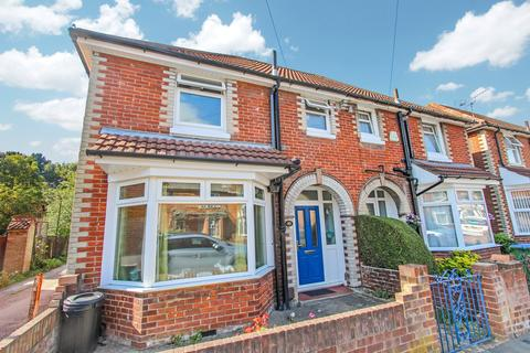 3 bedroom semi-detached house for sale - Percy Road, Southampton, SO16
