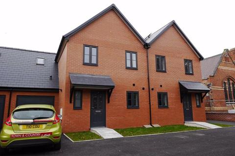 3 bedroom semi-detached house to rent - Llys Croes Atti, Flint, Flintshire, CH6