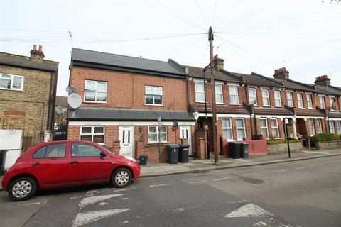 4 bedroom maisonette for sale - Falmer Road, London