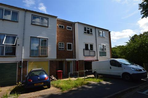4 bedroom townhouse for sale - Tennyson Way, Slough
